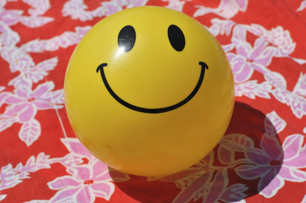 Yellow face happy ball